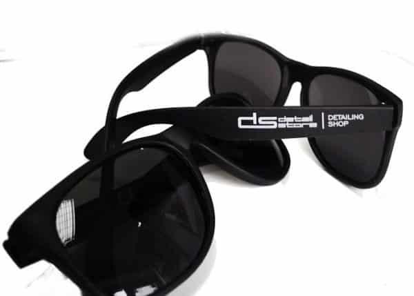 Okulary przeciwsłoneczne Detail Store - uniwersalny rozmiar, czarny kolor w połysku